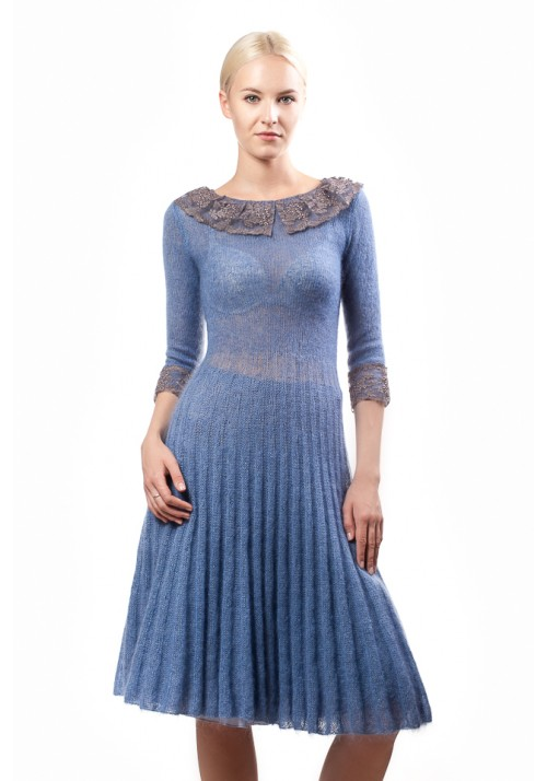 Blue dress with guipure collar