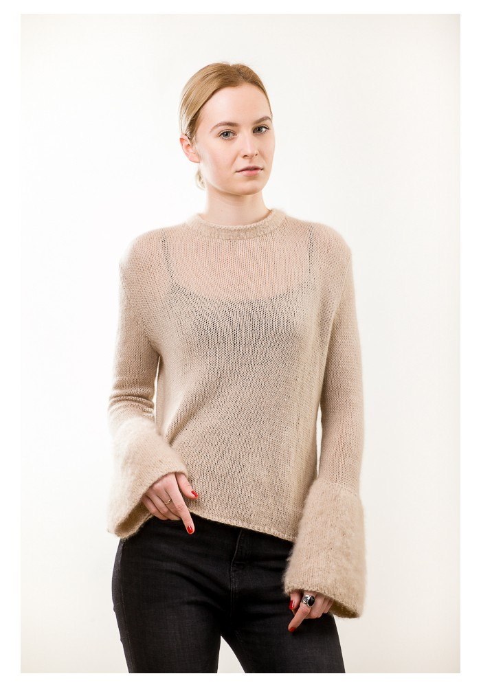 Hand knit cashmere bell-shaped sleeves sweater