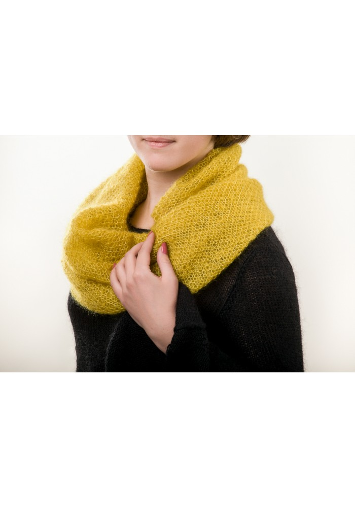 Hand knit gold mova scarf